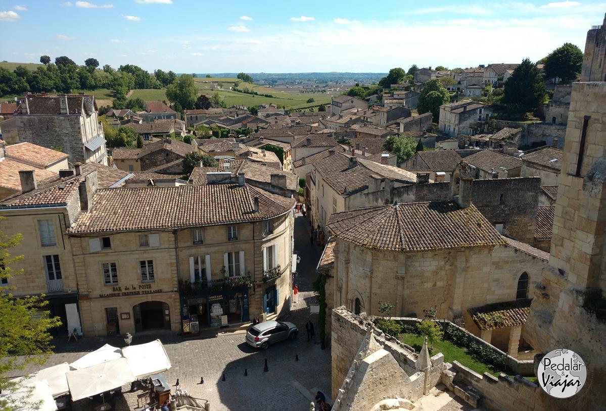 Saint-Émilion, com suas ruas íngremes